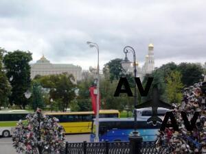 От каких пороков взрослых нужно оберегать детей? Необычный памятник в центре Москвы